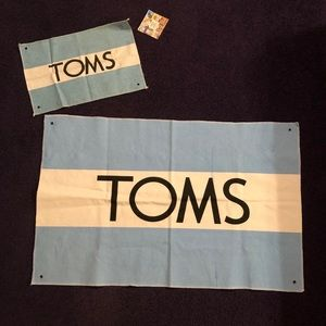 NWT Canvas Toms Flags